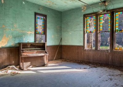 abandoned-church_cannel-city_kentucky_piece-by-piece-films_low-res_10292016_0000